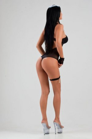 Fabiene tantra massage in New Bern NC, escorts