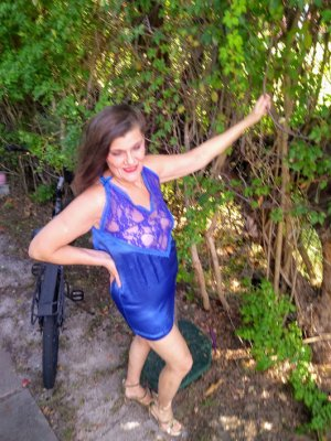 Solene call girl in Los Lunas