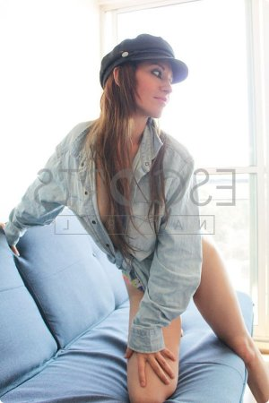 Leeloo call girls in Carpinteria California, erotic massage
